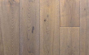 solid oak lacquered flooring