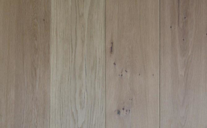Invisible lacquered Russian oak wood floor
