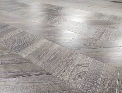 High Quality Reactive Stained Oak Brushed Chevron Plank Wooden Floors